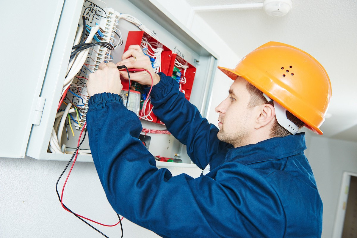 Electrician business insurance with Huckleberry